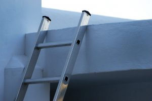 Setting up collapsible ladder
